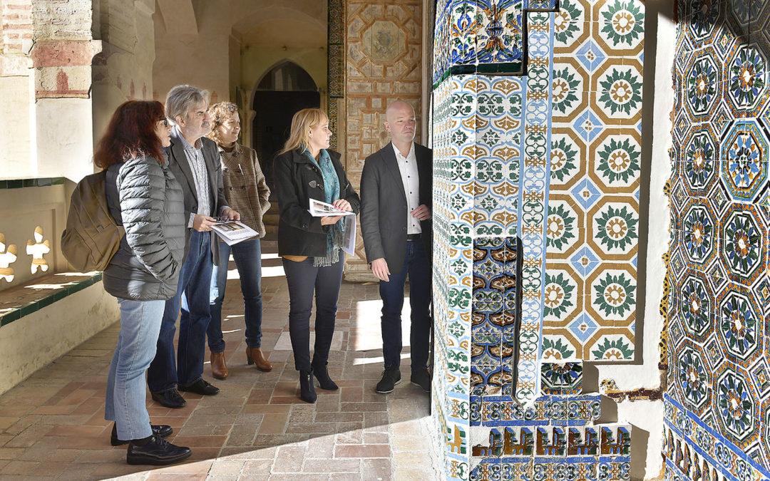 San Isidoro del Campo. Concluye la restauración del Claustro de los Muertos tras el robo de los azulejos.
