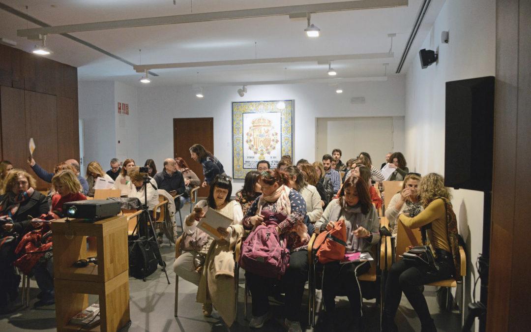 """Más de cincuenta guías turísticos de Sevilla participan en la Jornada """"Cerámica, Cultura y Turismo"""", en el Centro Cerámica Triana."""