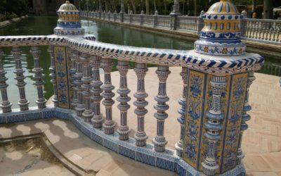 La Plaza de España estrena balaustrada cerámica.