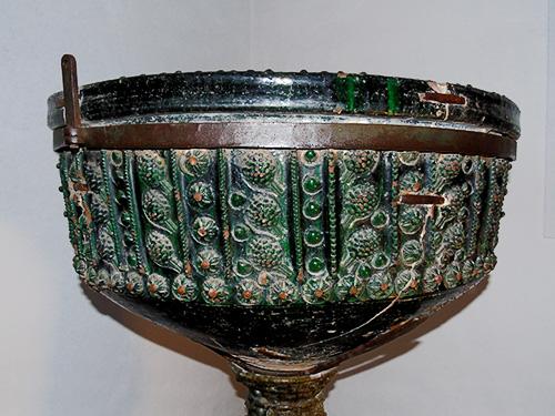 Conferencia: Las pilas bautismales vidriadas en verde realizadas en Triana en los Siglos XV-XVI.