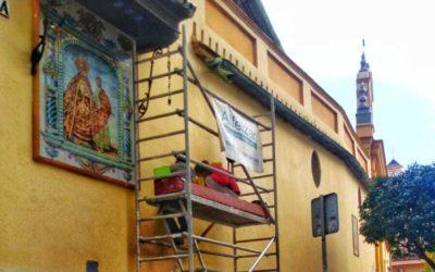 Repuesto tras su restauración el retablo cerámico de la Amargura en San Juan de la Palma.