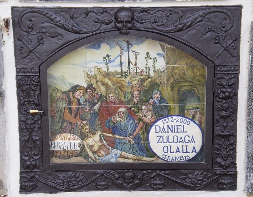 Artículo. De nuevo un expolio de cerámica. La lápida de Daniel Zuloaga en el cementerio de Segovia.