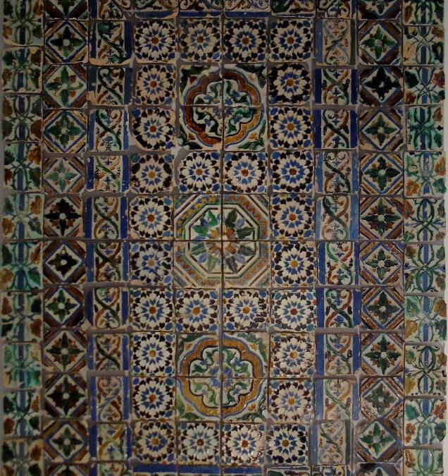Artículo. Alguns problemas ligados ao emprego de azulejos «mudéjares» em Portugal nos séculos XV e XVI.