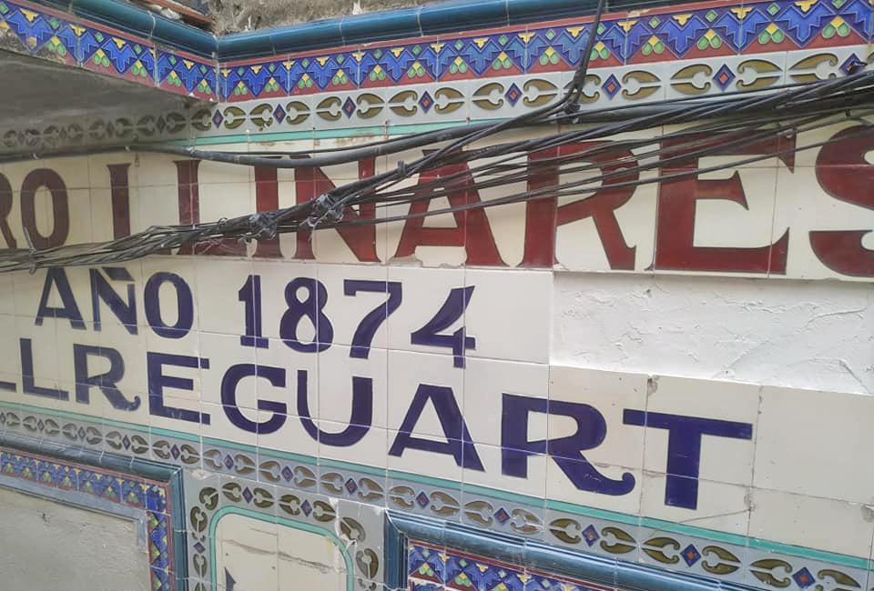 Bellreguard (Valencia) restaura el panel cerámico de la 'Botigueta Nova'