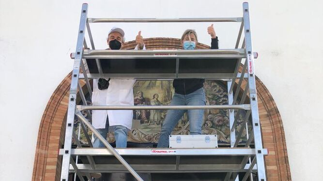 Sevilla. Acción vecinal para salvar un retablo cerámico de Orce en El Retiro Obrero