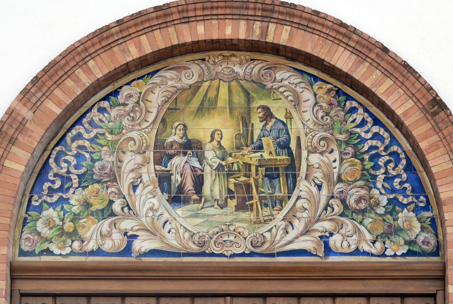 Restaurado el retablo cerámico de Enrique Orce Mármol en la Parroquia de la Sagrada Familia.